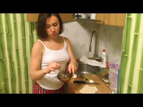 Пирожки с яйцом и луком из замороженного теста
