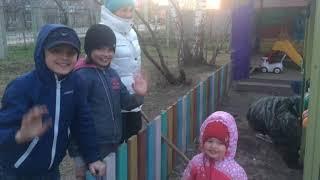 Детский садик. Собрали и установили домик для детей//жизнь в деревне//Children. life in the country