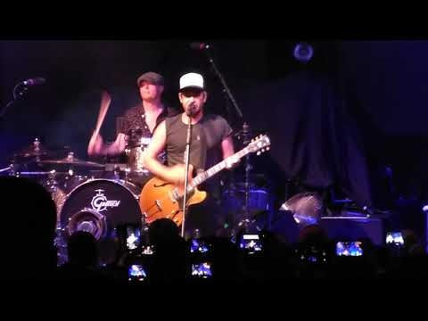 Lifehouse - Hanging By A Moment  (Live) @ Riverstage, Brisbane 15th November 2017