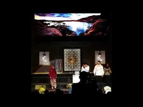 Sydney Maulid Concert: Indonesian Group Singing Dindin badindin, Lagu Minang.