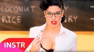 Fergie - M.I.L.F. $ (Instrumental with backing vocals + lyrics)