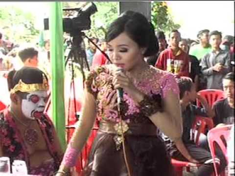 Polisi Voc. Ajeng & Sodiq - AREVA MUSIC HOREEE Live Kampung Horeee