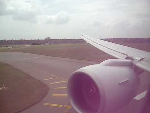 Singapore Airlines Boeing 777-200 | Landing at Colombo Bandaranaike International Airport