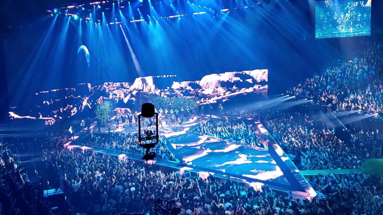 Watch Lil Kim's Career-Spanning Performance at BET Hip Hop Awards