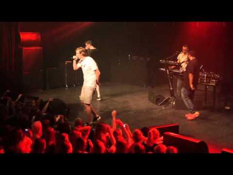 De Jeugd van Tegenwoordig - Party:15 & Flap Flap - Live @ Patronaat Haarlem 23/4/2011
