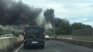 Roma, nube nera sul viadotto della Magliana: le immagini dall'interno dell'auto