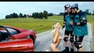 DIE SUPERBULLEN Clip: Ferrari Lady