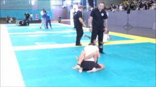 11 year old Harriet wins 15 year old mixed belt BJJ Final by RNC