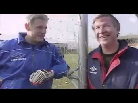 Peter Schmeichel One of the best goal keeper on this world[Throw back]