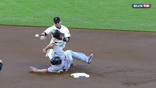 NLCS Gm2: Scutaro shaken up on a takeout slide