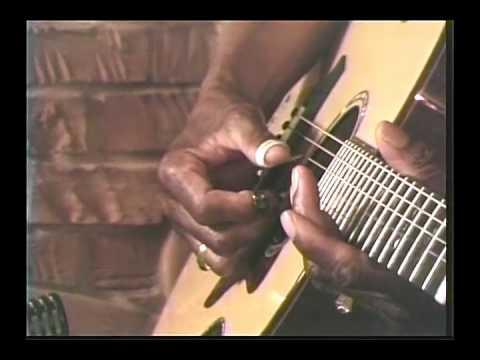 Guitar Tuning in D Minor Tuning
