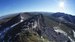 アラスカ北極圏の夏至の数日後の映像です。