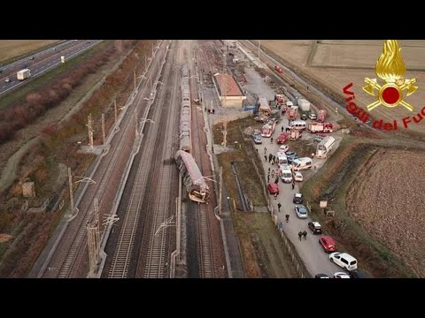Treno deragliato a Lodi, il luogo dell'incidente visto dal drone