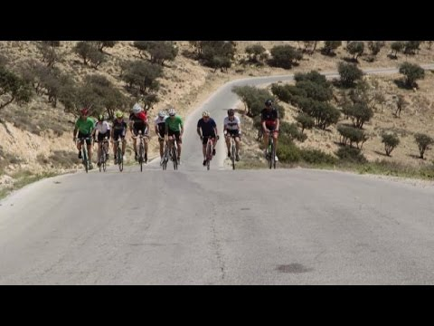 Jordan: cyclists ride from Amman to Petra for peace