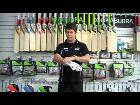 Kookaburra 1000 Wicket Keeping Glove 2013