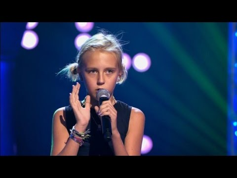 Andalouse - Kendji Girac | Manuela | The Voice Kids 2016 | Blind Audition