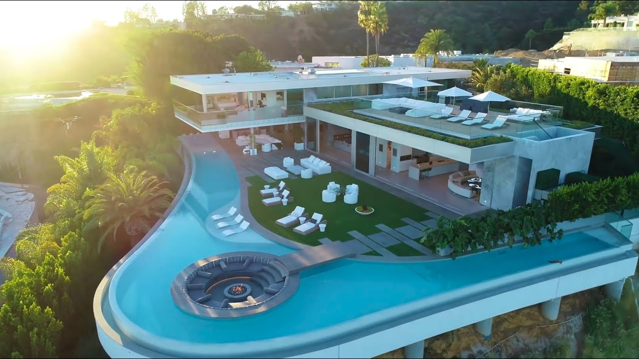 Spectacular Hill Top House With Infinity Pool And Conversation Pit