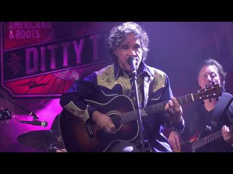 John Oates performs 'Maneater' live at DittyTV