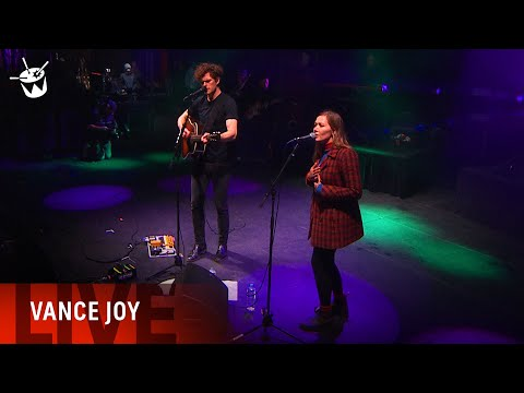 Vance Joy s Fleetwood Mac Dreams Ft Julia Jacklin at One Night Stand