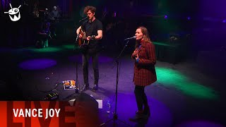 Vance Joy Covers Fleetwood Mac Dreams Ft Julia Jacklin At One Night Stand