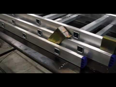 Сборка алюминиевой лестницы
