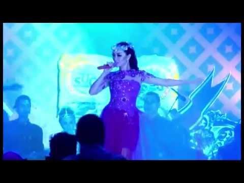 Zaskia Gotik ft.Sabrang Band - Cukup Satu Menit (live)