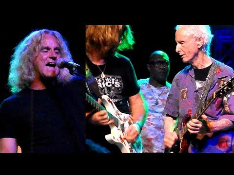 Jason Scheff of Chicago, Robby Kreiger, CTA I'm A Man, 25 or 6 to 4 Live 2018