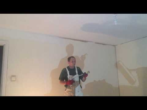 painting decorating how to cut in ceiling lines with a spray gun. Black Bedroom Furniture Sets. Home Design Ideas