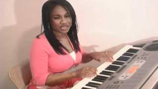 SINGING AND PLAYING PIANO-INDIA ARIE