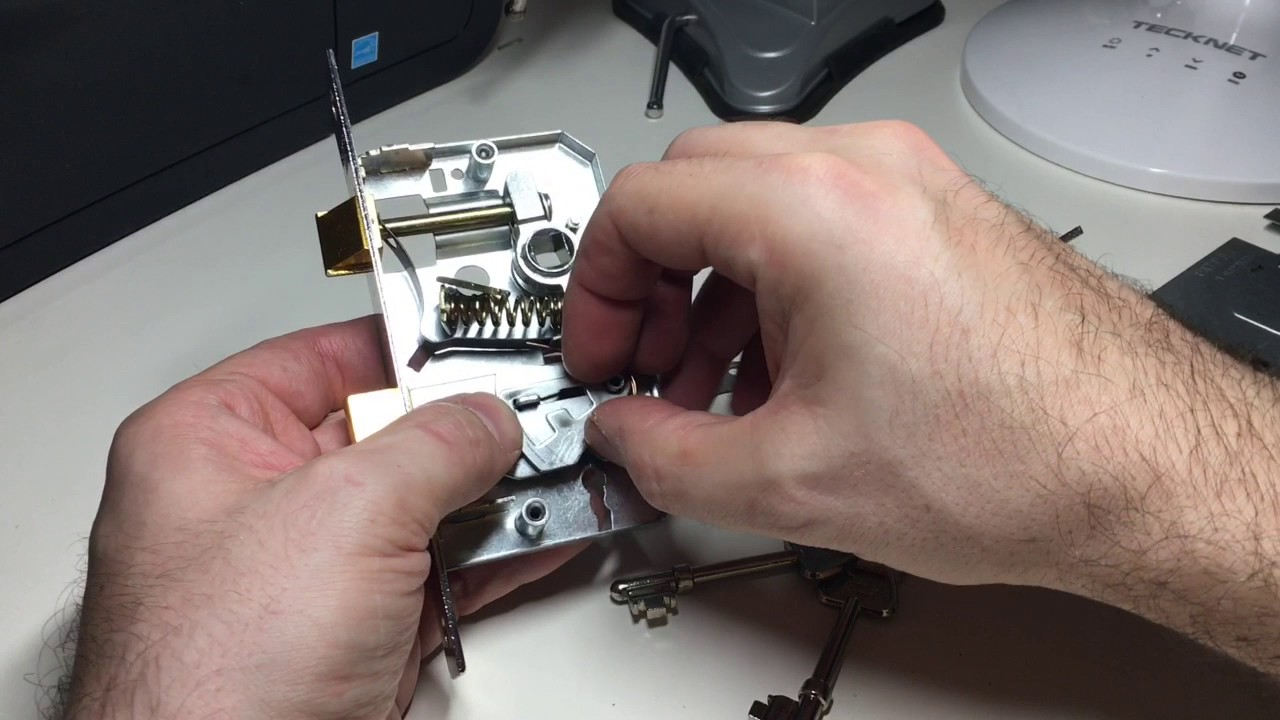 (155) Lewis 3 Lever Door Lock Picked with Wires and Gutted