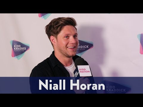 Backstage with Niall Horan at Jingle Ball | KiddNation