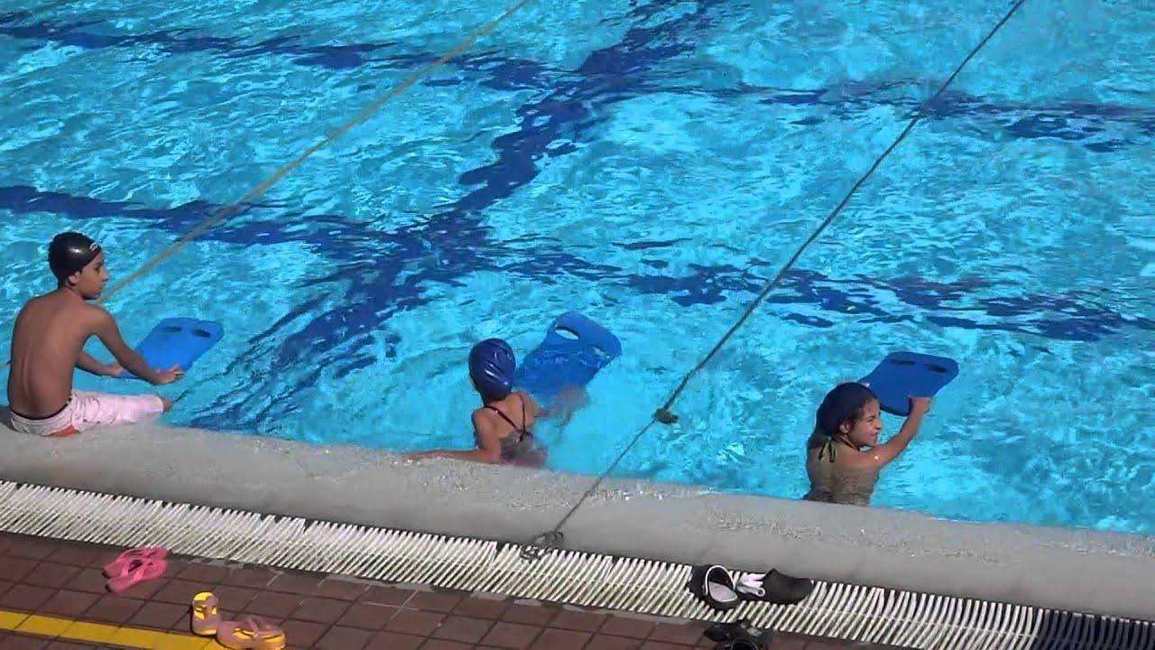 Maria alejandra clases de natacion piscina olimpica youtube for Piscina de natacion
