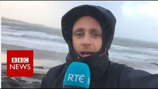 Hurricane Ophelia: Thousands lose power as storm hits Ireland - BBC News