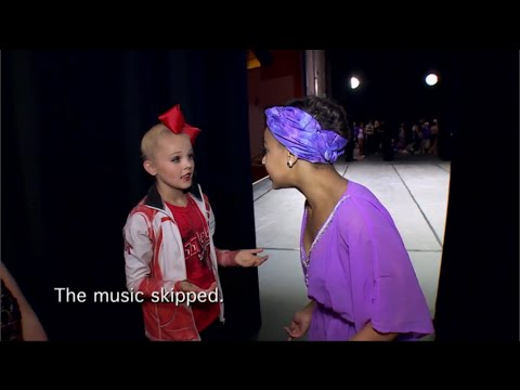 Dance Moms - Nia's Music Skips During her National Solo
