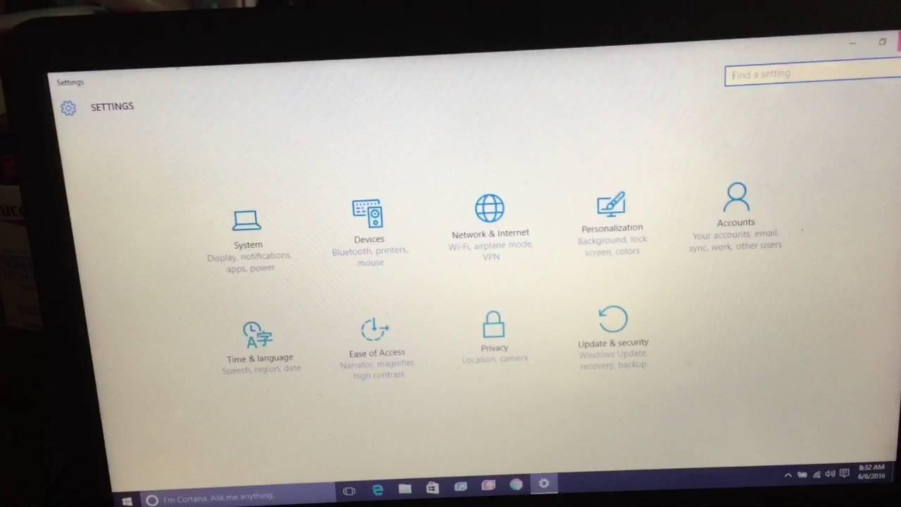 Windows 10 spinning circle at startup