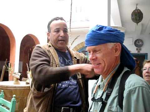 Tying your shesh: Berber turban