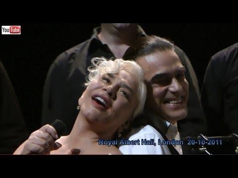 Sezen Aksu live - Arkadaş (HD) - The Royal Albert Hall, London - 20-10-2011
