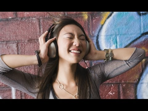 What You Should Know About Headphones and Hearing Loss