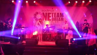 RAMLEELA title tracks sung by BHOOMI TRIVEDI with APOORV SINGH DRUMMER AND THE BAND