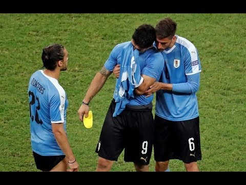 Суарес плачет после поражения в матче Уругвай - Перу