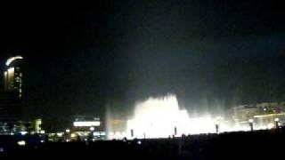 Dubai's fountains dancing to Yanni music 2011