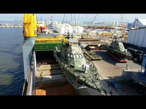 Dos lanchas Shaldag MK II embarcadas para su llegada a la Argentina