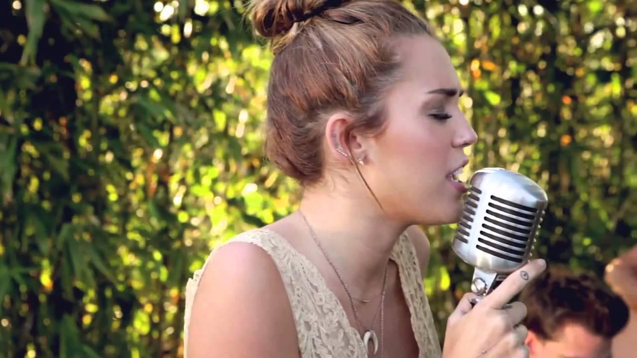 Miley Cyrus - The Backyard Sessions - Jolene - YouTube