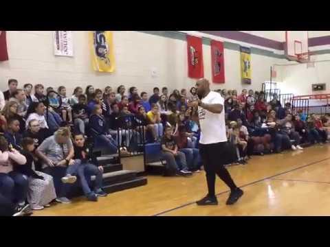 George Wilson speaking at Metropolis Elementary School