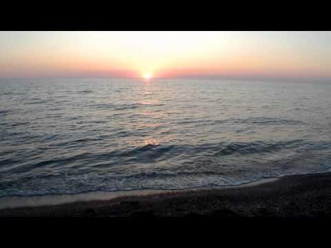 Закат у моря. Магнитный песок. Лагуна Шекветили. Грузия.
