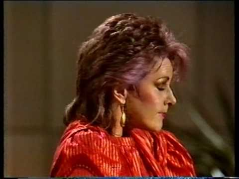 Frida (ABBA) - I Know There's Something Going On (Danish TV) - ((STEREO))