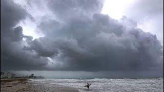أخبار عالمية | الإعصار #إرما يضعف.. لكن خطر عواصف مد بحري قائم