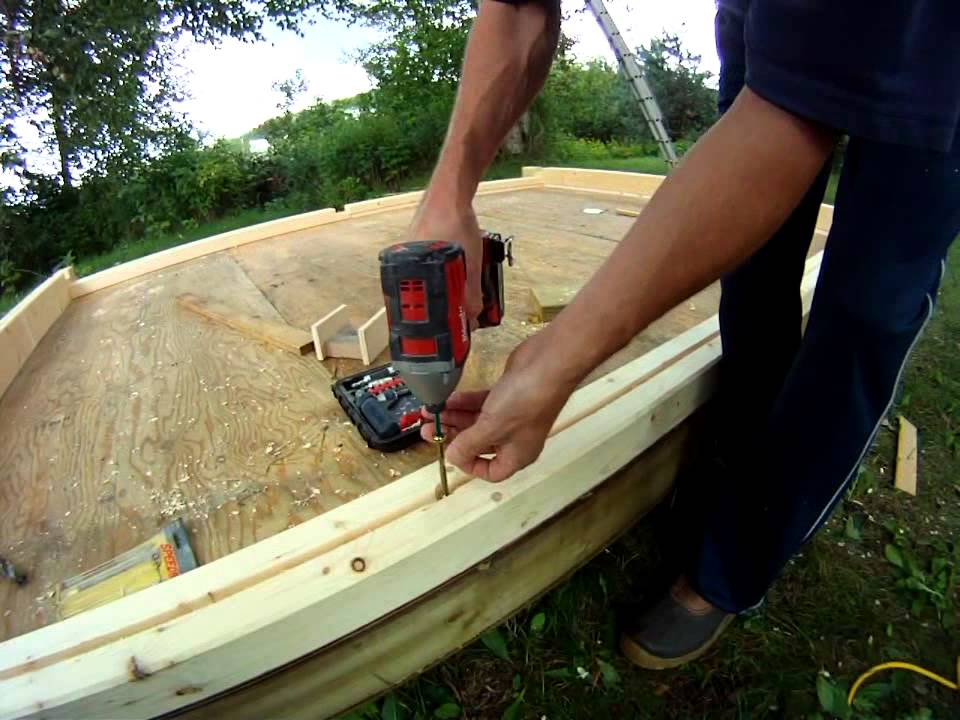 Building an outdoor square timber sauna youtube for How to build a backyard sauna