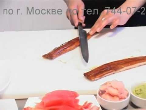нарезка угря на суши видео
