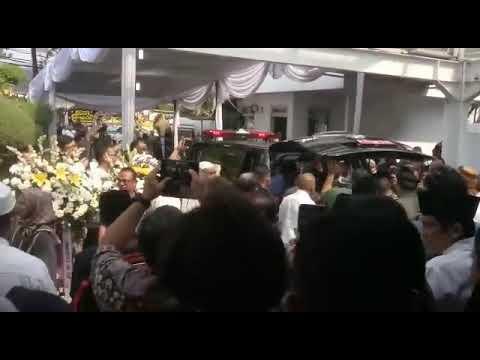 Jenasah Muh Irfan Ali Putra Ketua MA Hatta Ali Tiba Di Jakarta Setelah Diterbangkan Dari Afsel